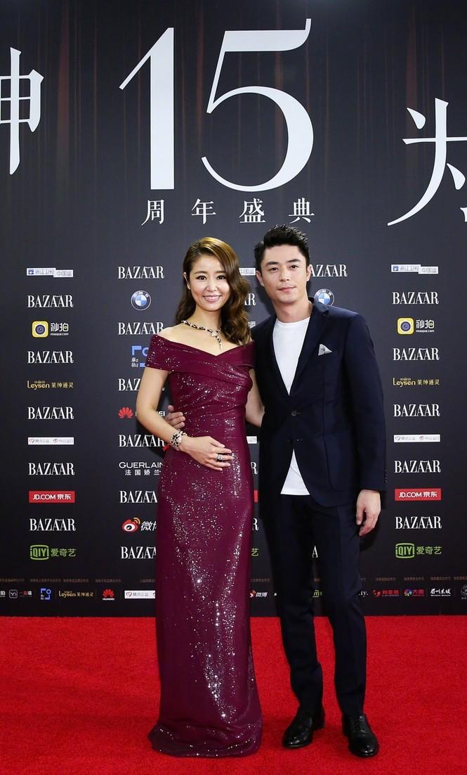 Dàn mỹ nhân Hoa ngữ rực rỡ, vợ chồng Lâm Tâm Như ôm eo tình tứ - ảnh 8