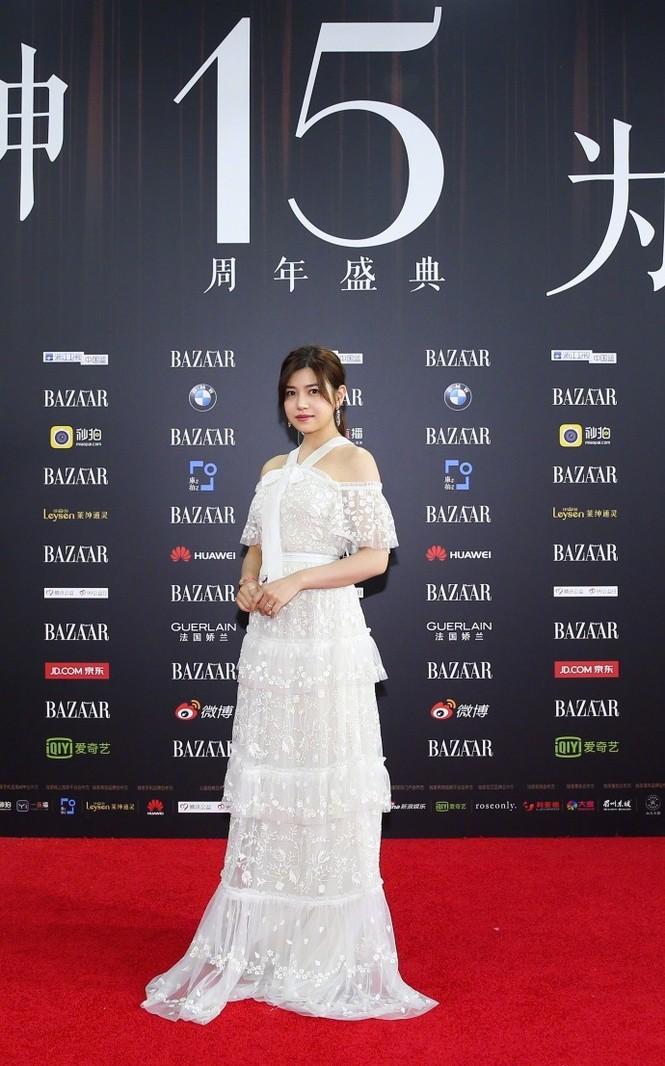Dàn mỹ nhân Hoa ngữ rực rỡ, vợ chồng Lâm Tâm Như ôm eo tình tứ - ảnh 6