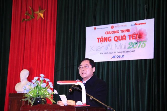 Tặng quà Tết cho người nghèo ở Bắc Ninh - ảnh 2