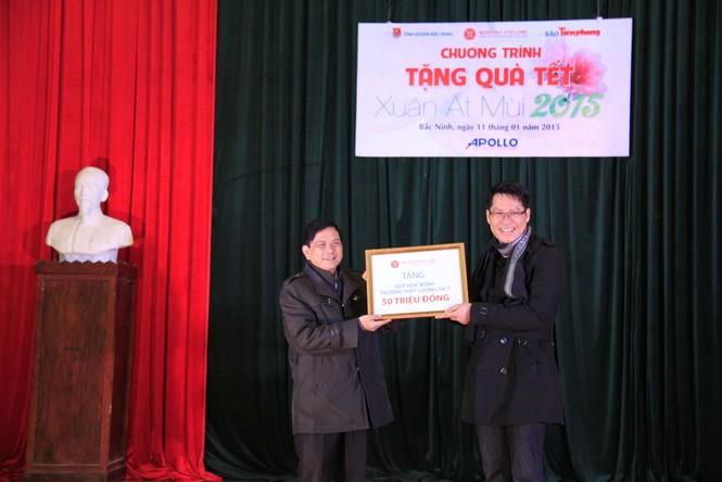 Tặng quà Tết cho người nghèo ở Bắc Ninh - ảnh 4