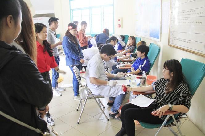 Đoàn viên thanh niên sôi nổi hưởng ứng Chủ Nhật Đỏ tại Thái Nguyên - ảnh 12