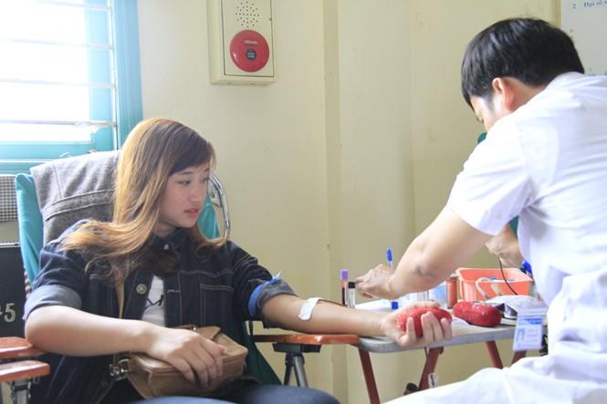 Đoàn viên thanh niên sôi nổi hưởng ứng Chủ Nhật Đỏ tại Thái Nguyên - ảnh 13