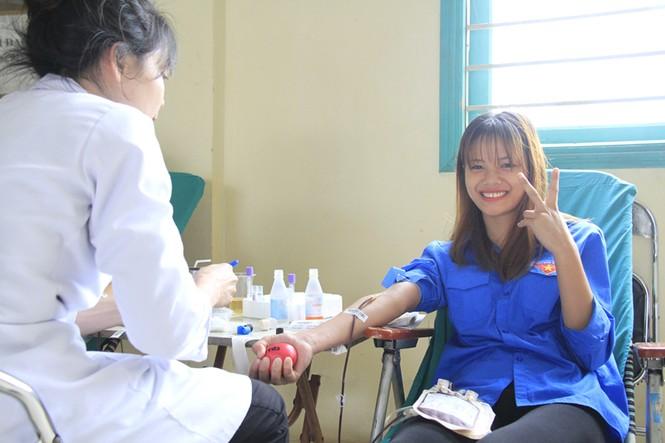 Đoàn viên thanh niên sôi nổi hưởng ứng Chủ Nhật Đỏ tại Thái Nguyên - ảnh 14