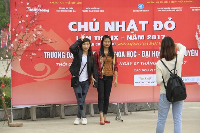 Đoàn viên thanh niên sôi nổi hưởng ứng Chủ Nhật Đỏ tại Thái Nguyên - ảnh 16