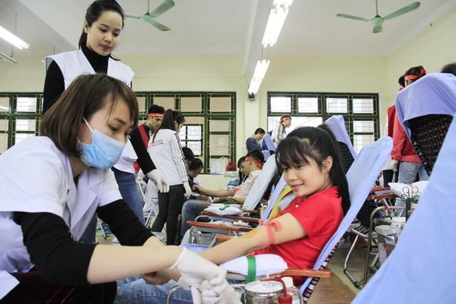 Đoàn viên thanh niên sôi nổi hưởng ứng Chủ Nhật Đỏ tại Thái Nguyên - ảnh 4