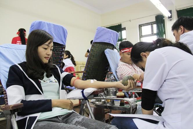 Đoàn viên thanh niên sôi nổi hưởng ứng Chủ Nhật Đỏ tại Thái Nguyên - ảnh 5