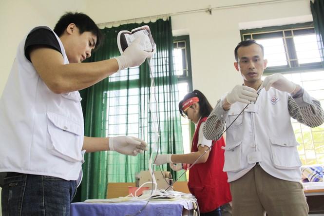 Đoàn viên thanh niên sôi nổi hưởng ứng Chủ Nhật Đỏ tại Thái Nguyên - ảnh 9