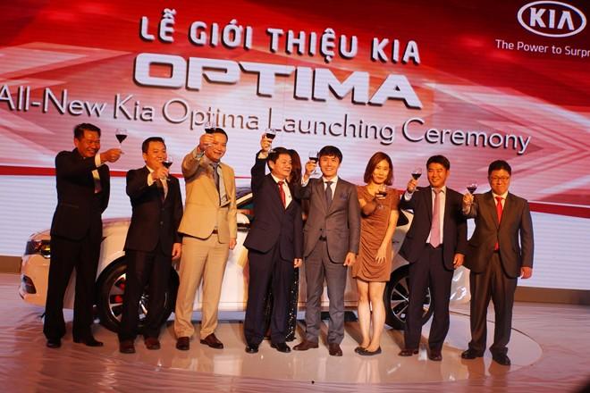 THACO ra mắt mẫu xe sedan thành công nhất toàn cầu - ảnh 1