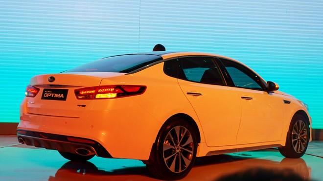 THACO ra mắt mẫu xe sedan thành công nhất toàn cầu - ảnh 4