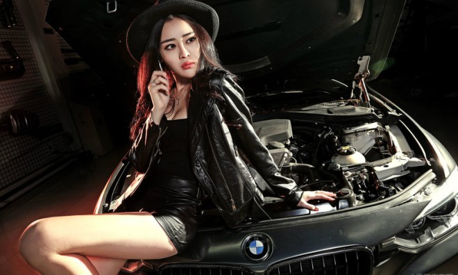 Loạn nhịp tim với mỹ nhân bên xế sang BMW - ảnh 1