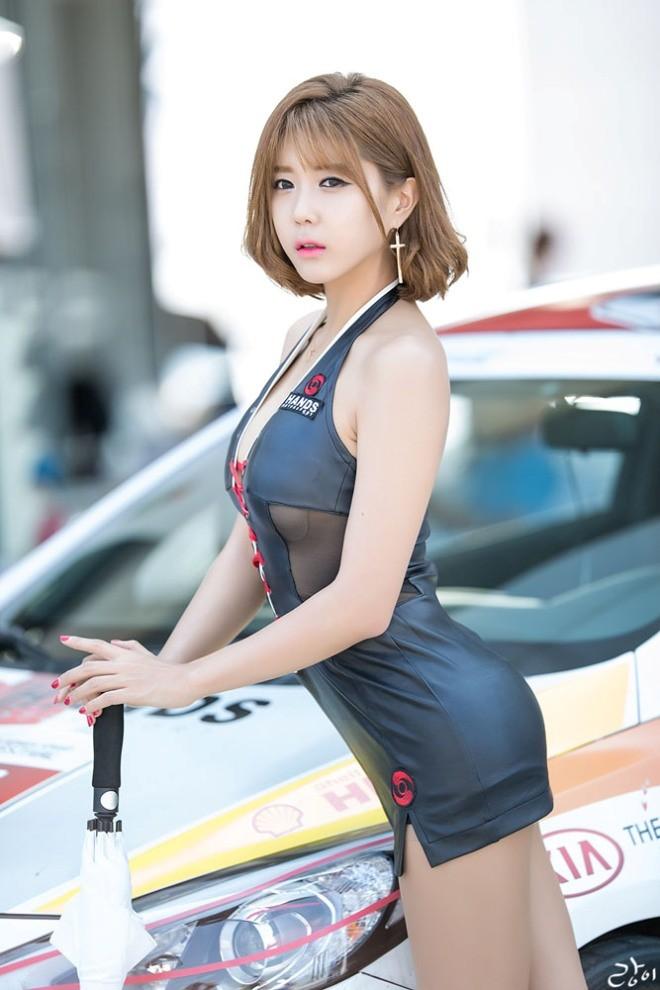 Mỹ nữ Hàn khoe vẻ đẹp thiên thần bên đường đua - ảnh 4