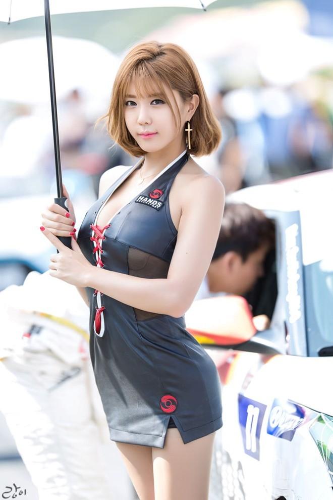 Mỹ nữ Hàn khoe vẻ đẹp thiên thần bên đường đua - ảnh 5