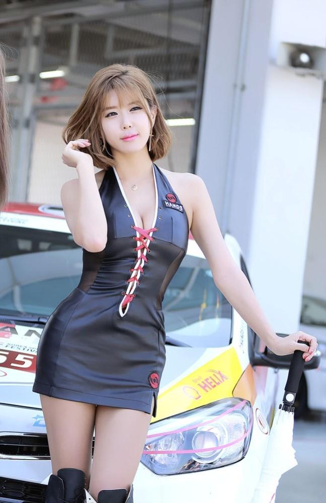 Mỹ nữ Hàn khoe vẻ đẹp thiên thần bên đường đua - ảnh 24