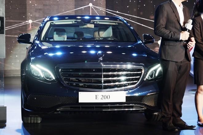 Mercedes-Benz E-class thế hệ mới về Việt Nam có gì nổi bật? - ảnh 1