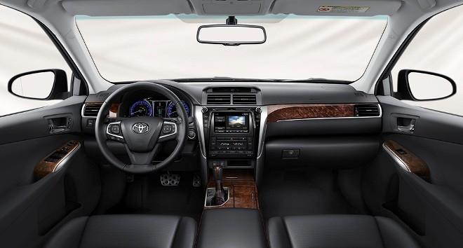 Toyota Camry 2016: Thêm trang bị, hạ giá bán - ảnh 2