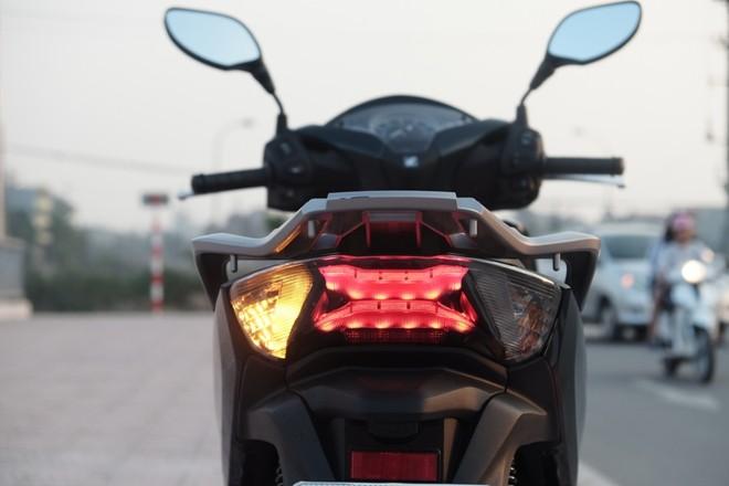 [Đánh giá] Honda SH: 'Hoàng tử' văn võ song toàn - ảnh 10