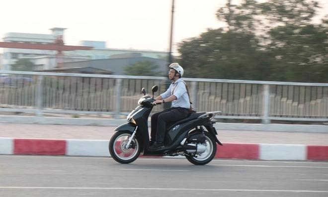 [Đánh giá] Honda SH: 'Hoàng tử' văn võ song toàn - ảnh 14