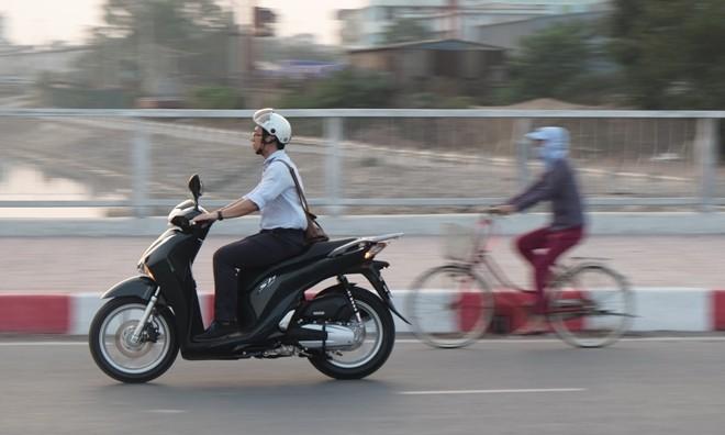 [Đánh giá] Honda SH: 'Hoàng tử' văn võ song toàn - ảnh 5