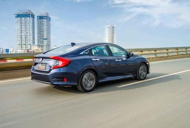 Honda Civic 2017 chốt giá 950 triệu đồng - ảnh 2