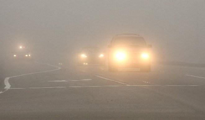 Làm thế nào để lái xe an toàn trong sương mù? - ảnh 1