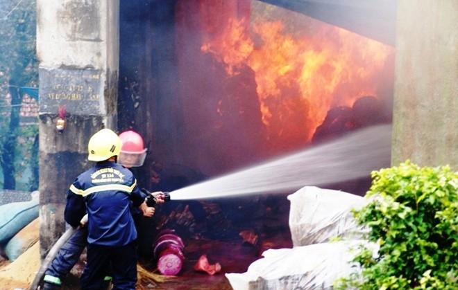 Bà hỏa ghé thăm cơ sở sản xuất hương, trầm đầu năm - ảnh 1