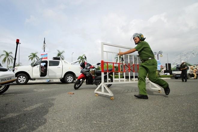 Lực lượng đặc biệt diễn tập ứng phó sự cố hạt nhân - ảnh 1