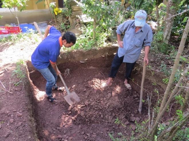Ngày đầu khảo cổ nơi nghi chôn cất vua Quang Trung - ảnh 4