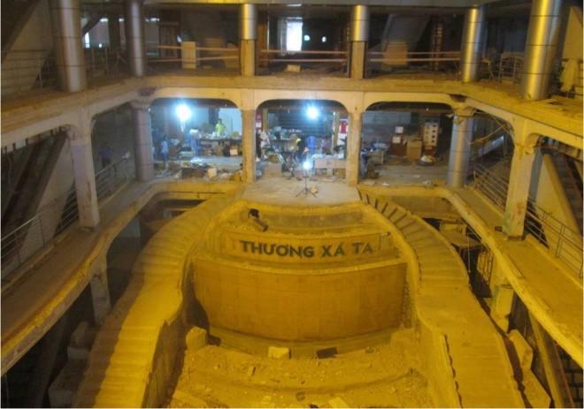 Ba tháng bóc gạch mosaic Thương xá Tax Sài Gòn để bảo tồn - ảnh 12
