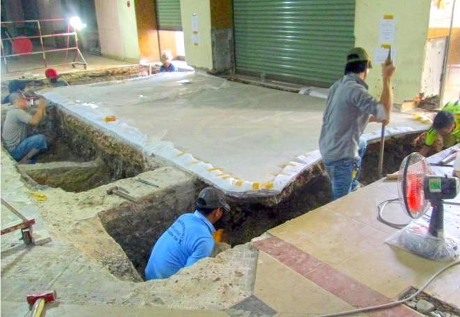 Ba tháng bóc gạch mosaic Thương xá Tax Sài Gòn để bảo tồn - ảnh 9