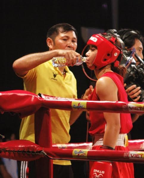 Màn so găng nảy lửa của các hotgirl làng Boxing Việt - ảnh 1