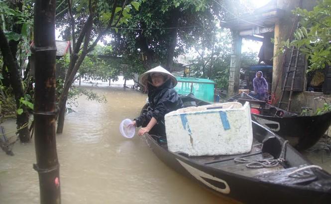 Quảng Nam: Người dân chạy đua với nước lũ - ảnh 3