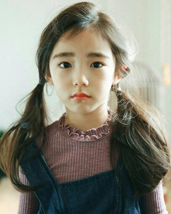 Cô bé 6 tuổi được khen xinh đẹp nhất thế giới - ảnh 4