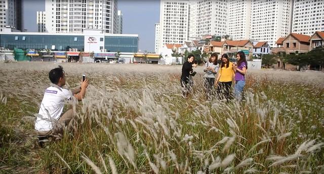 Những địa điểm chụp ảnh 'hút hồn' giới trẻ ở Hà Nội  - ảnh 10