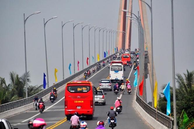 Dân miền Tây ùn ùn trở lại Sài Gòn sau Tết - ảnh 4