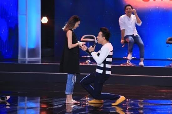 Những màn tỏ tình ấn tượng của sao Việt ngay trên sân khấu  - ảnh 6