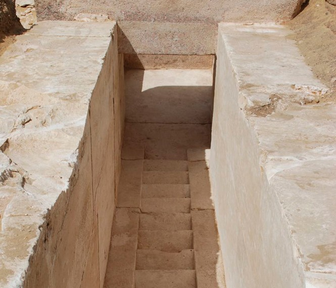 Hé lộ kim tự tháp Ai Cập cổ 3.700 tuổi - ảnh 1