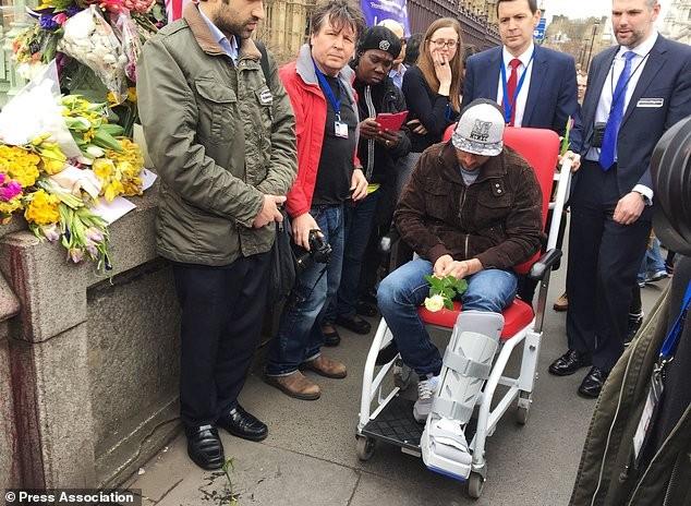 Người phụ nữ nhảy cầu trong vụ khủng bố tòa Quốc hội Anh qua đời - ảnh 2
