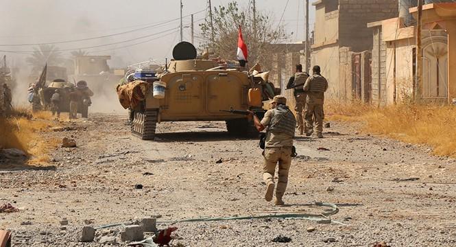 Quân đội Syria rầm rập tiến về 'thủ đô' của IS - ảnh 5