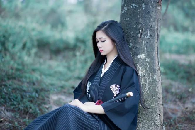 Cô gái 20 tuổi hóa thân thành nữ đạo sĩ xinh đẹp - ảnh 1