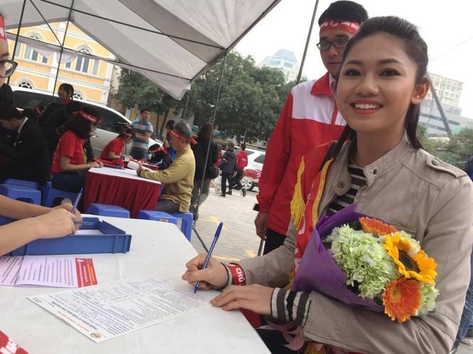 Chủ Nhật Đỏ 2017, Báo Tiền Phong - ảnh 43