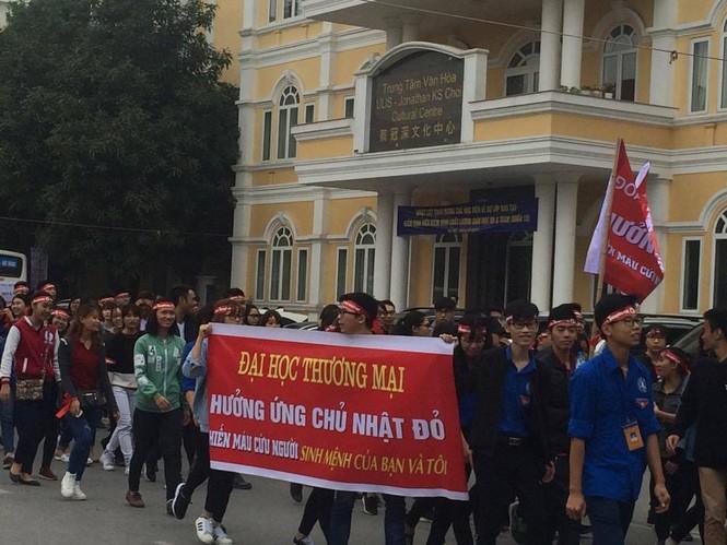 Chủ Nhật Đỏ 2017, Báo Tiền Phong - ảnh 79