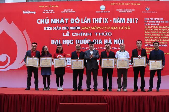 Chủ Nhật Đỏ 2017, Báo Tiền Phong - ảnh 46