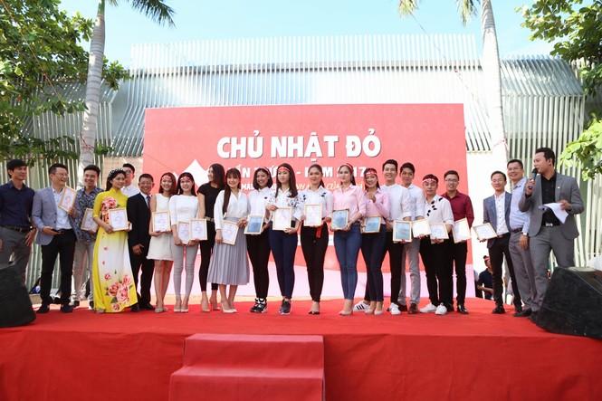Chủ Nhật Đỏ 2017, Báo Tiền Phong - ảnh 40