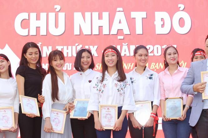 Chủ Nhật Đỏ 2017, Báo Tiền Phong - ảnh 41