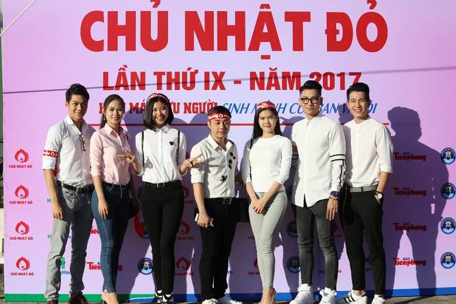Chủ Nhật Đỏ 2017, Báo Tiền Phong - ảnh 88