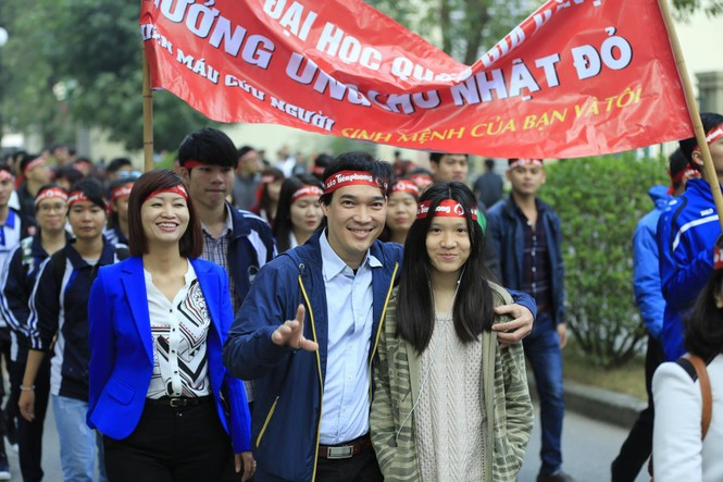Chủ Nhật Đỏ 2017, Báo Tiền Phong - ảnh 76