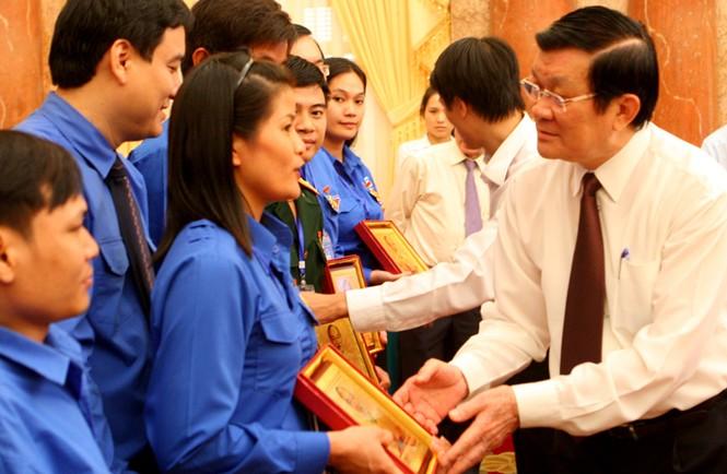 Chủ tịch nước: Thanh niên cần tự giác học tập tấm gương Bác Hồ - ảnh 9